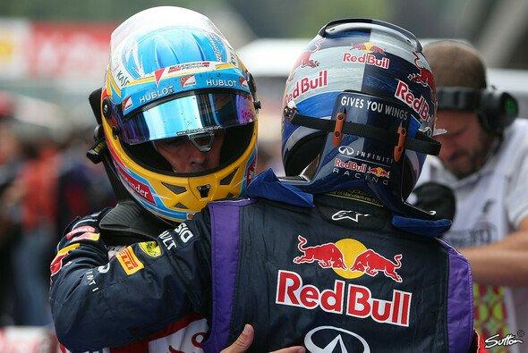 Mark Webber sieht Alonso und Vettel an der Spitze