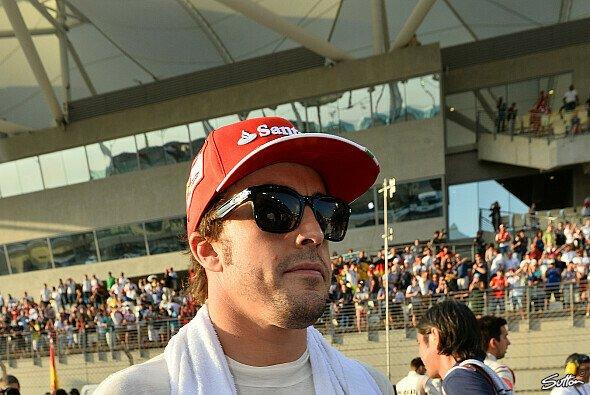 Wie geht es Fernando Alonso wirklich? - Foto: Sutton