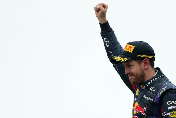 Sebastian Vettel will auch 2014 die Siegerfaust recken, hofft jedoch auf ein ausgeglichenes Fahrerfeld.