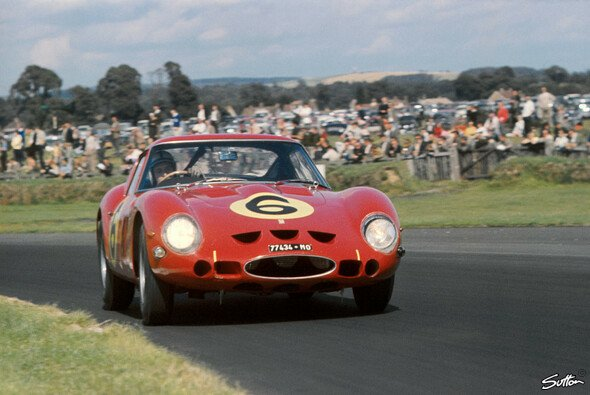 John Surtees in einem Ferrari 250 GTO bei der Goodwood TT