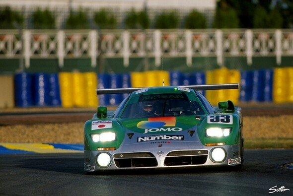 Satoshi Motoyama 1998 am Steuer des famosen Nissan R390 GT1 in Le Mans