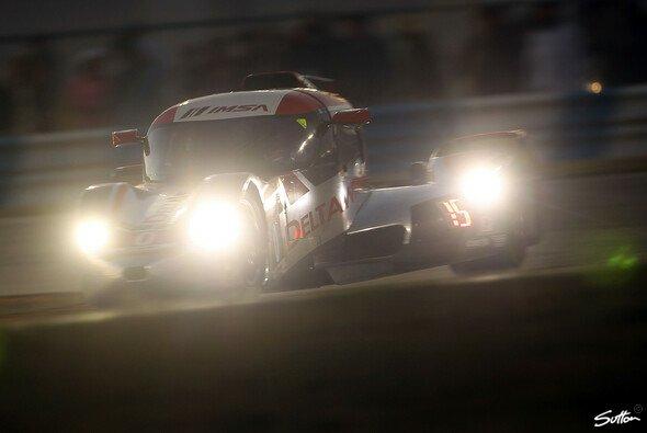 Blinded by the lights? Der DelatWing ist aktuell Vorletzter der noch fahrenden Wagen in Sebring