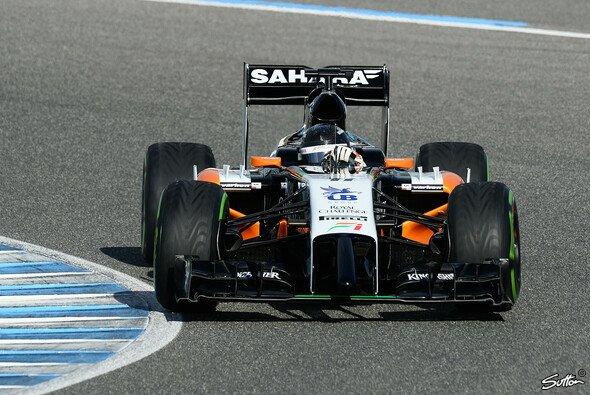 Sergio Perez tastet sich an den VJM07 heran