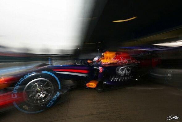 In den F1-Hallen wird fleißig geschraubt, in 2 Wochen stehen die nächsten Tests an