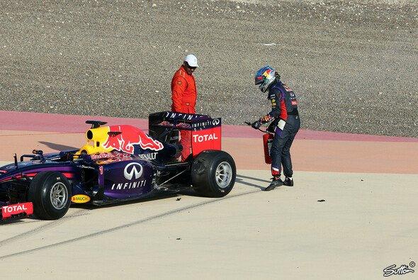Sebastian Vettel spielt Feuerwehrmann in Bahrain