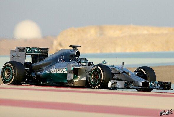 Rosberg regiert in Bahrain: Mercedes ist weiterhin das Maß aller Dinge.