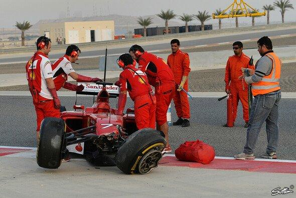 Räikkönen demoliert kurz vor Testende seinen F14T