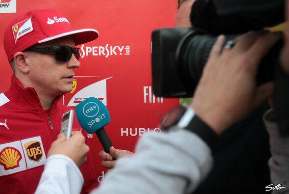 Räikkönen stellte sich nach seinem Crash der Presse