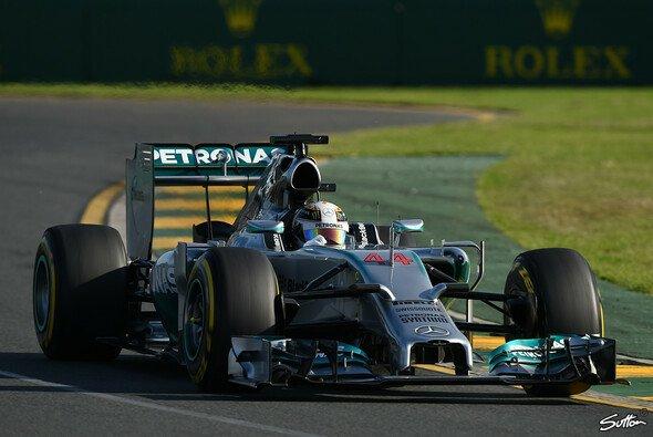 Lewis Hamilton eroberte im Regenchaos von Melbourne die erste Pole Position der Saison 2014