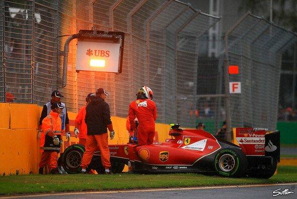 Kimi Räikkönen knallte im Australien-Qualifying in die Mauer - Foto: Sutton