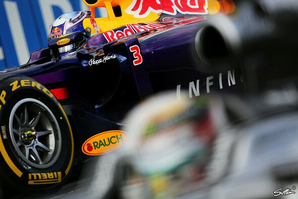 Red Bull sitzt Mercedes im Nacken