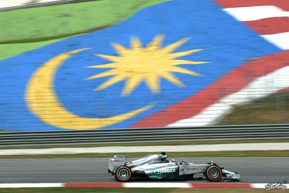 Lewis Hamilton war Schnellster im 1. Training. Kann er das im zweiten wiederholen?