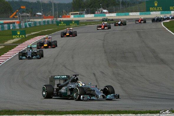 Zweite Pole, erster Sieg: Lewis Hamilton gewinnt den Malaysia Grand Prix