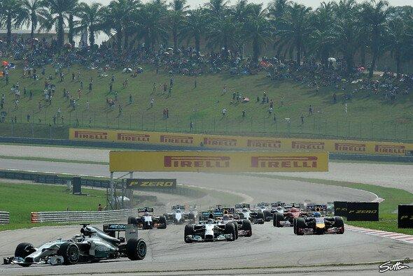 Lewis Hamilton war schon nach dem Start über alle Berge