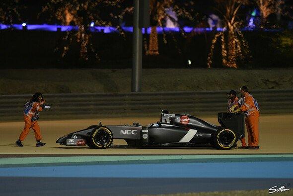 Ein Motor-Defekt an Adrian Sutils Sauber C33 beendete seinen Arbeitstag frühzeitig