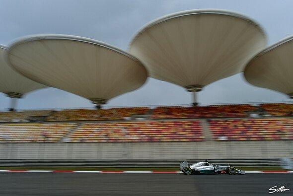 Gibt Lewis Hamilton auch am Sonntag den Ton an?