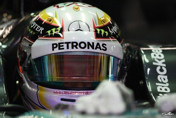 Hamilton fuhr im ersten Training Bestzeit