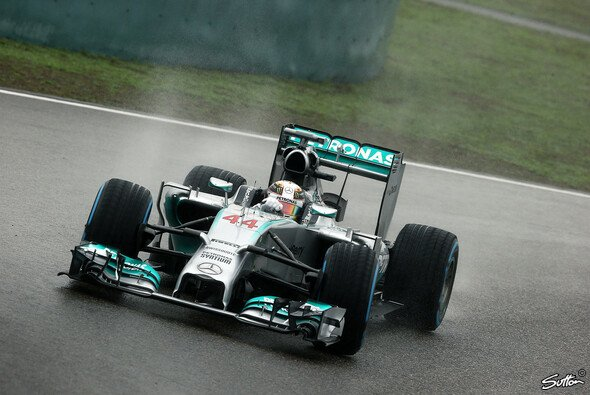Lewis Hamilton siegt dominant in China - Foto: Sutton