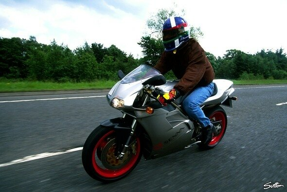 Aytron Senna hatte privat ein Motorrad