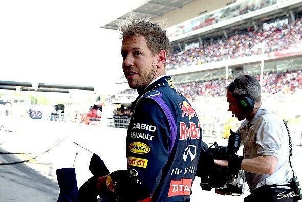 Sebastian Vettel muss in die achte Startreihe zurück - Foto: Sutton
