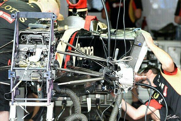 Das FRIC-Verbot schmerzt Lotus noch immer - Foto: Sutton
