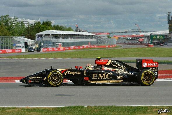 Auf den Geraden und Beschleunigungsstücken fehlt Lotus die Leistung
