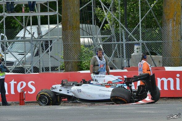 Massa entsteig seinem zerstörten Wagen unverletzt