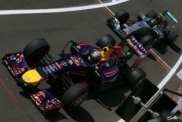 Sebastian Vettel auf Startplatz 2: Wie viel ist die erste Reihe wert? - Foto: Sutton