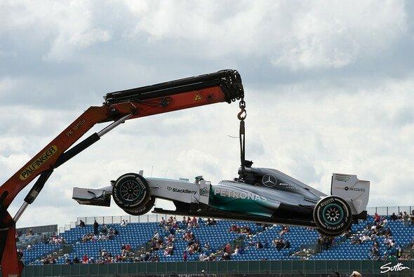 Ein Motorproblem stoppte Hamiltons Training