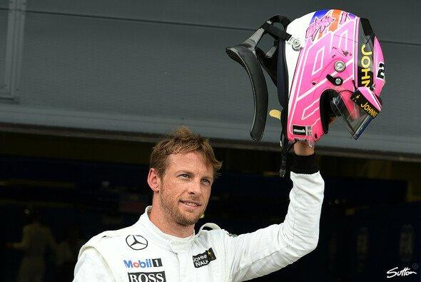 Jenson Button fuhr seinen schwächelnden McLaren auf Startplatz 3 in Silvestone - Foto: Sutton