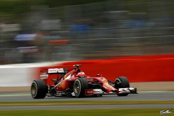 Kimi Räikkönen musste das Rennen nach einem Unfall in der ersten Runde beenden