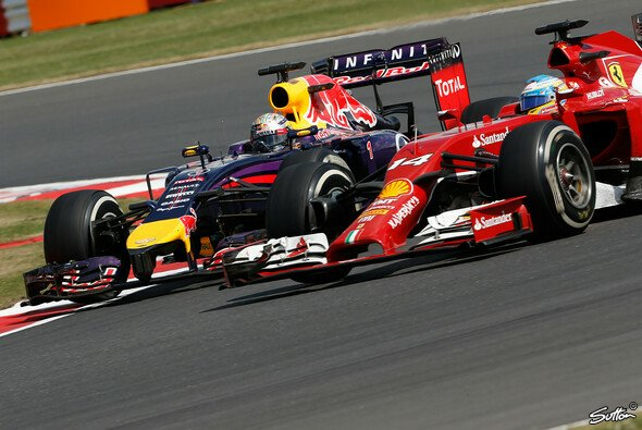Vettel und Alonso lieferten sich ein spannendes Rad-an-Rad-Duell