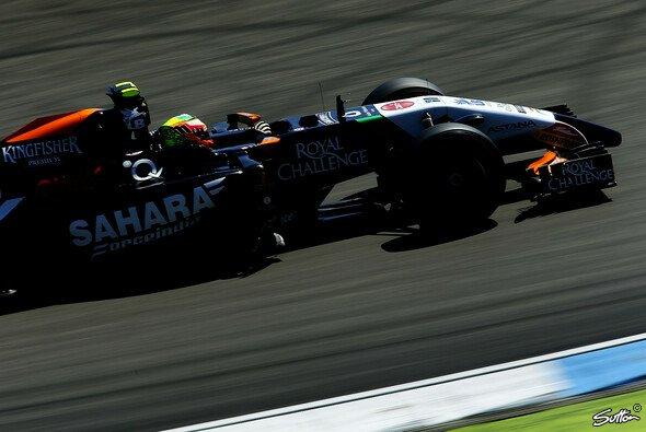 Force India reitet auf der Welle des Erfolges - Foto: Sutton