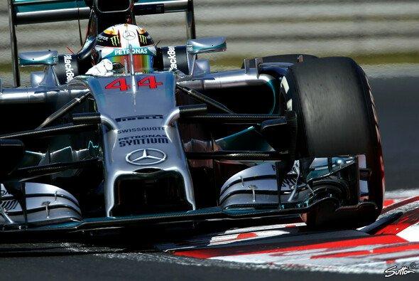 Lewis Hamilton setzte die Bestzeit bei der Generalprobe - Foto: Sutton