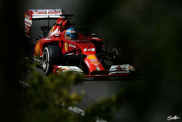 Fernando Alonso kämpft gegen sein eigenes Auto