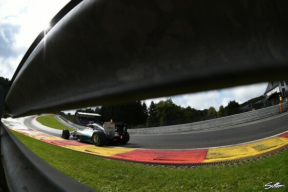 Mythos Eau Rouge - Foto: Sutton