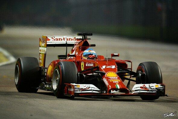 Fernando Alonso schrammte in Singapur als Vierter knapp am Podest vorbei - Foto: Sutton