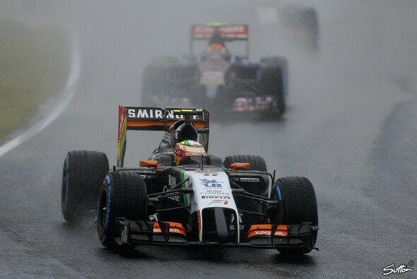 Beide Force-India-Piloten sammelten im Regen WM-Zähler - Foto: Sutton