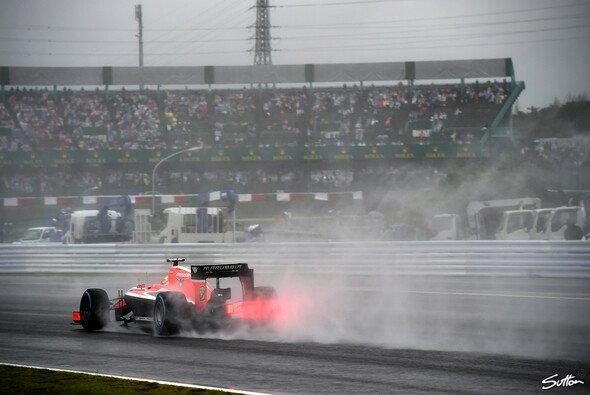 Jules Bianchi kam auf regennasser Fahrbahn von der Strecke ab - Foto: Sutton