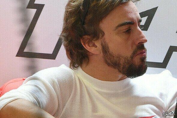 Alonso könnte dank drittem Auto zu Mercedes wechseln - Foto: Sutton