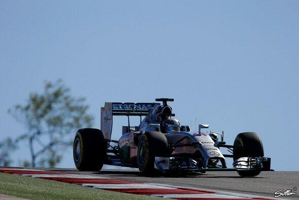 Lewis Hamilton fuhr die dritte Bestzeit des Wochenendes - Foto: Sutton