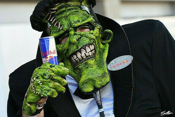 Halloween hält Einzug im Formel-1-Fahrerlager - Foto: Sutton