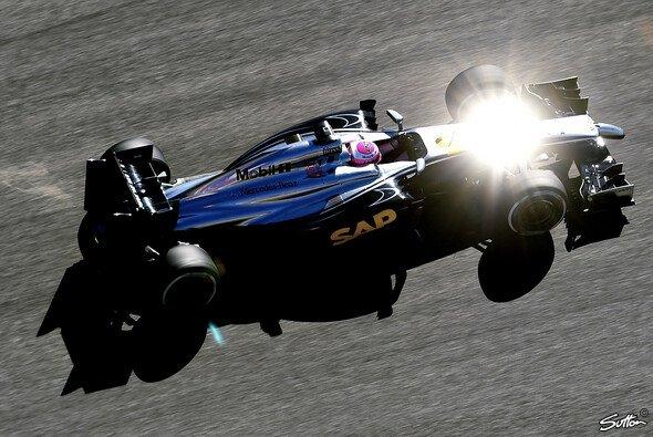 Jenson Button hadert mit seinem Getriebewechsel - Foto: Sutton