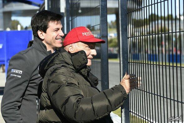 Toto Wolff gemeinsam mit Niki Lauda - Foto: Sutton