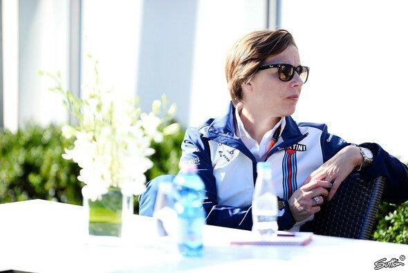 Claire Williams gibt zu, dass man Ferrari nicht so stark verbessert erwartet hatte - Foto: Sutton