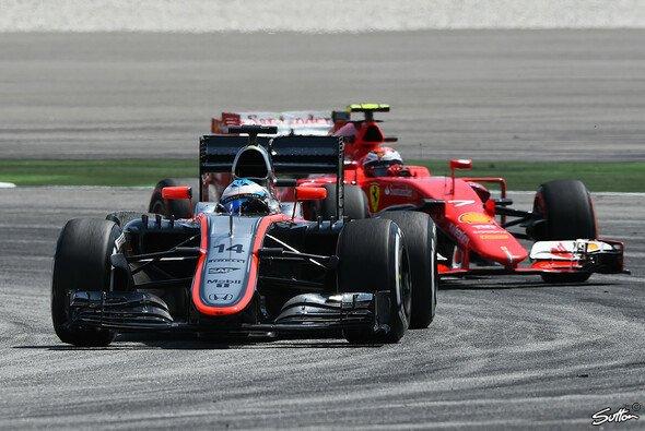 Alonsos Wechsel zu McLaren soll bald Früchte tragen - Foto: Sutton