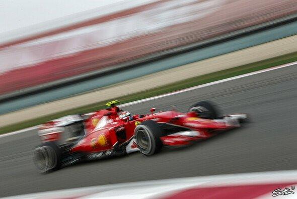 Kimi Räikkönen ist in Shanghai erneut top in Form - Foto: Sutton