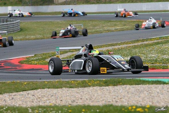Mick Schumacher freut sich auf sein zweites Rennwochenende in der ADAC Formel 4 - Foto: Sutton