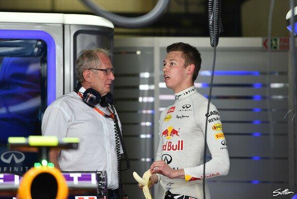 Dr. Helmut Marko und Daniil Kvyat: Folgt nach dem Toro-Rosso-Comeback nun das Comeback bei Red Bull? - Foto: Sutton
