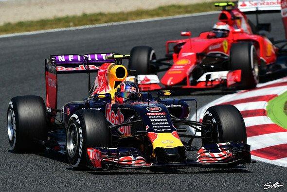 Red Bull könnte 2016 mit Ferrari-Motoren starten - Foto: Sutton